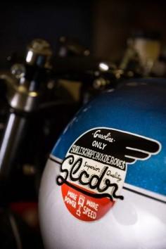 Suzuki GS 1100 Cafe Racer by Sur Les Chapeaux De Roues | #caferacer #suzuki #motorcycles |