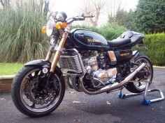 SUZUKI GT 750 and some extras