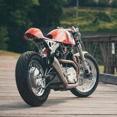 Tangerine dream machine: the Italian workshop Plan B Motorcycles has given this Yamaha XV 750 an extreme makeover. We love the classic Benelli tank and 1970s Porsche orange paint.