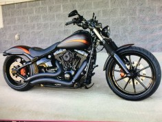 That's an awesome factory custom Softail!! With some very minimal tweaks here & there, & you'd have a really awesome ride!!!