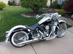 That's what I'm talking about. One of the very few Harley's I would  Harley Davidson softail deluxe