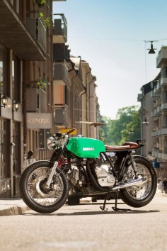 The climate in Sweden might be a little on the cool side, but their bikes are even cooler. Here's a drop-dead gorgeous Ducati from new Stockholm workshop 6/5/4 Motors. Skål!
