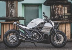 The devil made me do it - MotorCorsa Ducati Diavel on