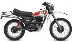 The Yamaha XT500 is one of those motorcycles that came before its time -it was an 'adventure bike' before there really was such a thing and it quickly found a home in races like the Paris–Abidjan-Nice, the Paris-Dakar and races across the Mojave in the US. At its heart the XT500 has a twin valve 498cc single cylinder, SOHC engine and 5-speed transmission – this same engine was used in the legendary SR500 and the TT500. The relatively lightweight of 140kgs made the Yamaha XT500 a bike that