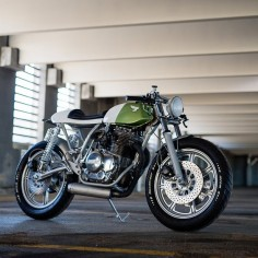 this heavily modified Yamaha XS400 is the third build from Canadian workshop Federal Moto.