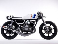 This impressive. The bike builders today have so many options so to see a two stroke 400cc Cafe Racer is too cool.
