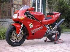 This is probably my next favorite DUCATI after the MHR Millé, the DUCATI 888 superbike. I love this picture and I love this bike!! Such a hot looking