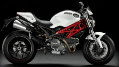 This is the pure blood White Stallion of the motorbikes and my future guilty pleasure to remember myself that I'm also a product of the 20th Century: The Ducati Monster 796.