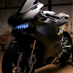 Those eyes 1199 panigale s Via : @bad_dlr #1199panigales#1199#ducati #motorcycle #motorcycles #bike #TagsForLikes #ride #rideout #bike #biker #bikergang #helmet #cycle #bikelife #streetbike #cc #instabike #instagood #instamotor #motorbike #photooftheday #instamotorcycle #instamoto #instamotogallery #supermoto #cruisin #cruising #bikestagram