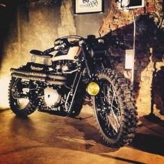 Triumph 900 Scrambler #motorcycles #scrambler #motos |