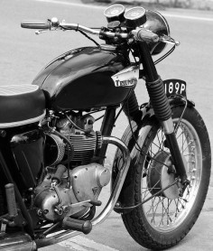 Triumph Bonneville | Flickr - Photo Sharing!