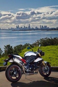 Triumph's Speed Triple R
