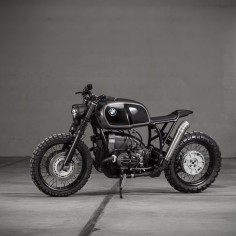 Vagabund is a new Austrian workshop. Established only this year, their design philosophy is simple: to enhance the essence and magic of classic motorcycles, and create unique pieces of art. And judging by this BMW R100R, we'd say they're doing an impeccable job.