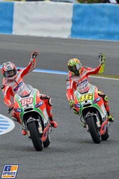 Valentino Rossi, Nicky Hayden, Ducati. MotoGP: Spain