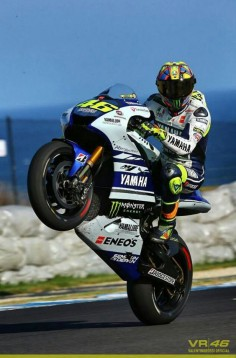 Valentino Rossi. Test Phillip Island 2014. The man is a walking, talking legend.