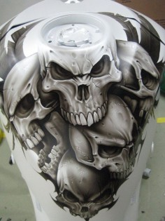 very cool custom skull tank airbrush