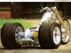 Very Cool Trike from  Think its built by a guy called Franzen?