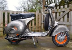 Vespa GS in clear lacquer powder coat over bare metal. Polini matched casings, worb5 gas flowed crank, SIP cosa banded clutch 22th, 67th Primary, MMW & RD350 reeds, Dellorto 26PHBH carb, T5 4th gear and Giannelli Exhaust.