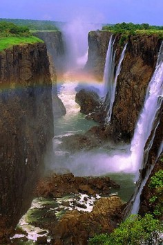 Victoria Falls, Zambezi River at the border of Zambia and Zimbabwe
