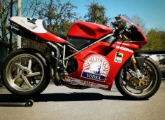 Vodka powered Ducati 916SPS. (ducati )