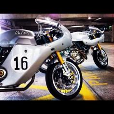 Which one? #ducati #paulsmart #sportclassic #sport1000 #ducatipaulsmart #ducatisportclassic #ducatisport1000 #caferacer #bike #motorcycle