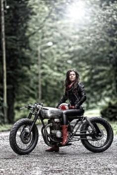 ❤️ Women Riding Motorcycles ❤️ Girls on Bikes ❤️ Biker Babes ❤️ Lady Riders ❤️ Girls who ride rock ❤️TinkerTailorCo ❤️ -