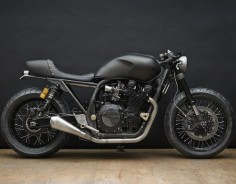 Wrenchmonkees Yamaha XJR 1300 Cafe Racer - Monkeefist Project