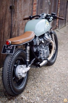 custom made Bikes and Motorcycles brat style cafe racer bobber power passion machine pimped original tuned hipster raw rough rugged industrial rusty oldschool Yamaha Harley Davidson Honda motos #BrootBikes