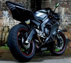 Yamaha R 6.