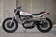Yamaha XS650 flat tracker by Redmax Speed Shop - Nice pipes.