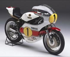 Yamaha YZR500 OW23