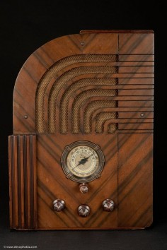 Zenith Model 812 Art Deco 1935 Radio - The 811 Export Version!