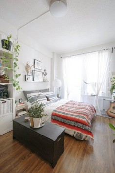 5 Ways to Layout a Studio Apartment | Apartment Therapy