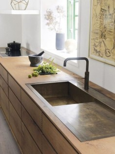 A STUNNING OAK KITCHEN IN A COPENHAGEN HOME
