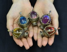 Beautiful soul gems from Puella Magi Madoka Magica! Homura's is especially lovely