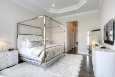 Bedroom tricks for small spaces