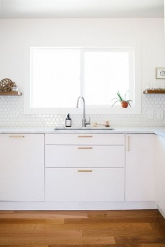 Bright, modern kitchen by Anna Smith of Annabode +