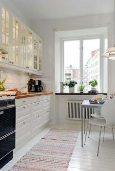 Cocina blanca pequeña #hogarhabitissimo 8 ideas que podemos robar de #cocinas pequeñas