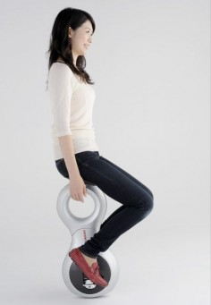 Honda's U3-X Personal Mobility Device is the Segway of unicycles -- Engadget   .....is it getting to difficult to just walk ?