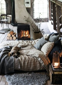 I love the sturdiness of the design. The stone, the stucco, the fireplace. Very weather-worthy feeling.