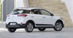 Không chỉ được chú trọng về ngoại hình, xe Hyundai i20 Active cũng được trang bị không gian nội thất rất phù hợp hài hòa với người dùng bằng những đường nét tương phản, đơn giản mang màu sắc trẻ trung nắm bắt đúng xu hướng của người dùng trẻ.