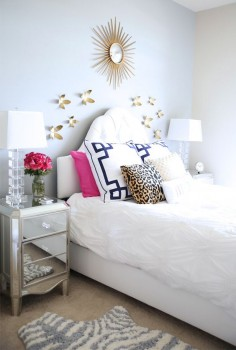 Love this bedroom! The pillow