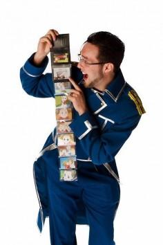 Maes Hughes cosplay (FullMetal Alchemist/FullMetal Alchemist: Brotherhood).