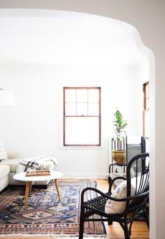 modern living room of blogger Erin of francios et moi / sfgirlbybay