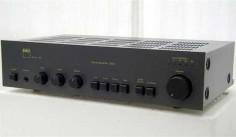 NAD-3020-amplifier
