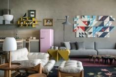 Parede de cimento queimado! - Inspirada na trajetória da arquiteta italiana Lina Bo Bardi, Paula Neder desenvolveu esse projeto cheio de estilo e referências industriais.