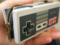 Real Nintendo Controller Coin Purse/Wallet - I so wanna make one of these, but with a kiss-lock!