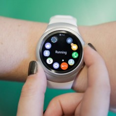 Samsung's Gear S2 smartwatch is thoughtfully designed with purpose and speed