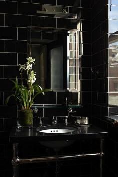 Seductive black bathroom - Sawyer/Berson.