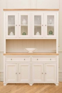 The large Woburn Welsh Dresser painted here in Cream. A design classic and a customer favourite.